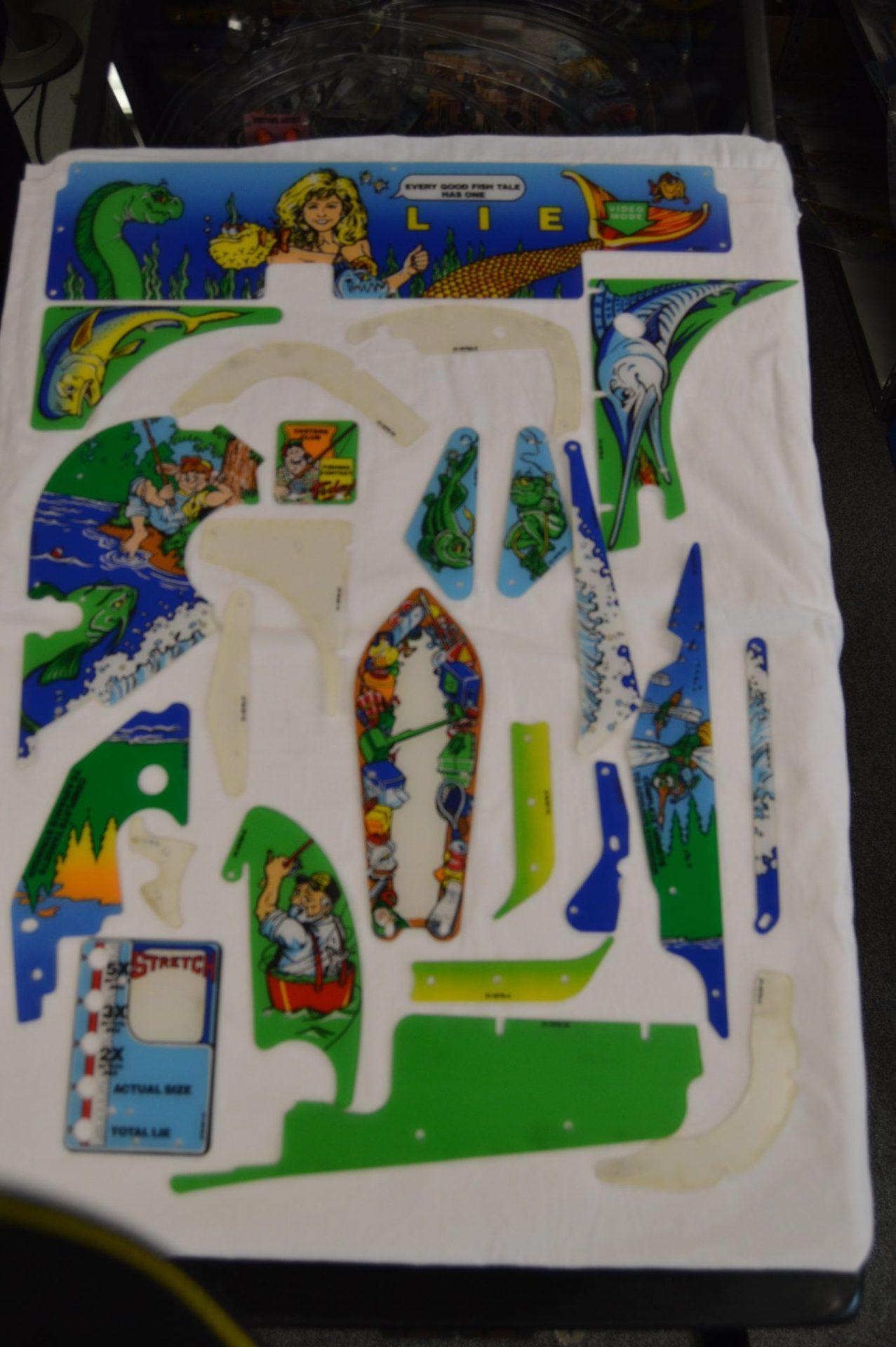 Fish Tales Plastic Set Complete