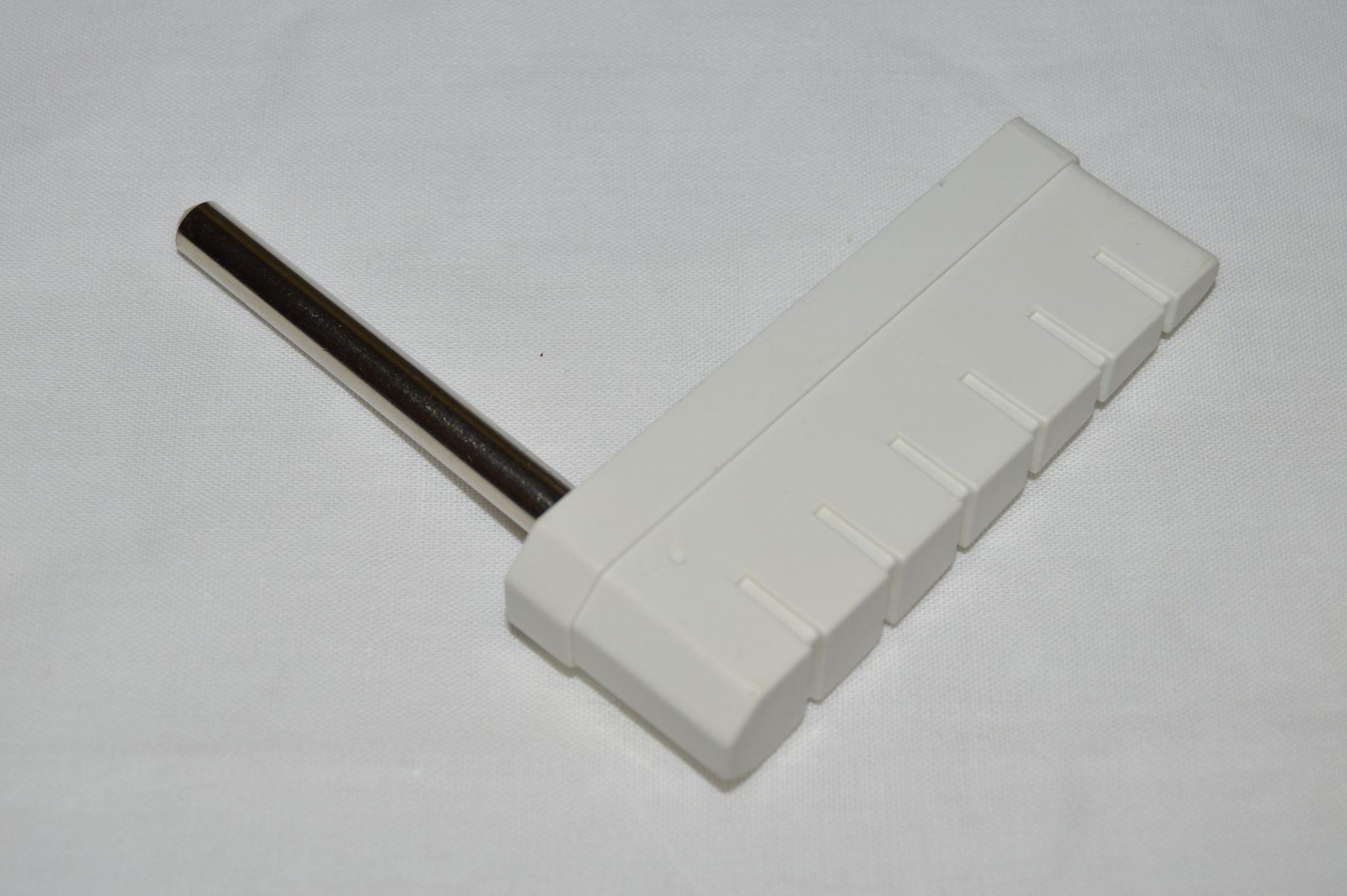 Segmented Flipper White Bat w/Shaft 20-9592-5