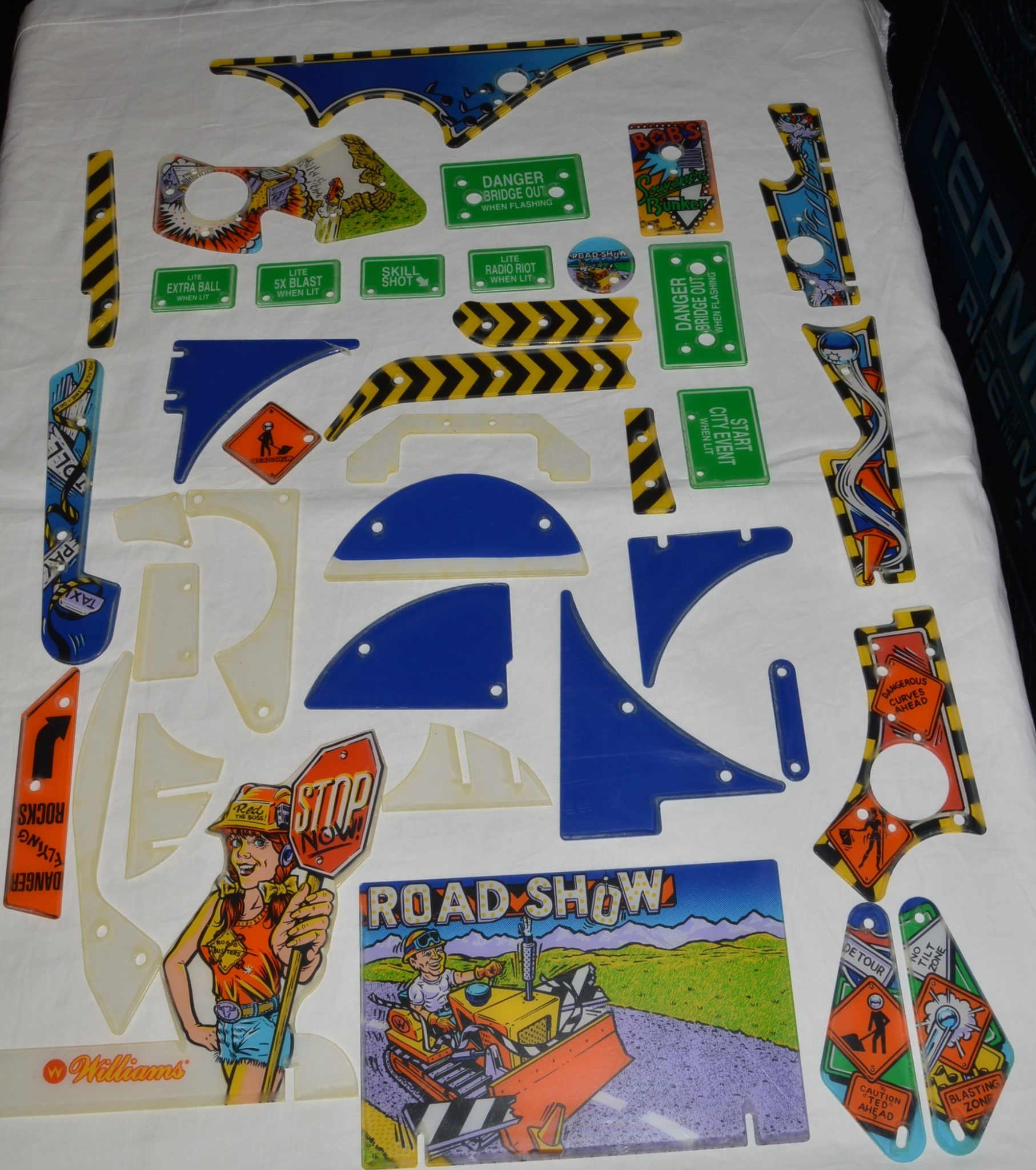 Roadshow Plastic Set